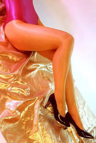 Gold und Pink in Form gebracht