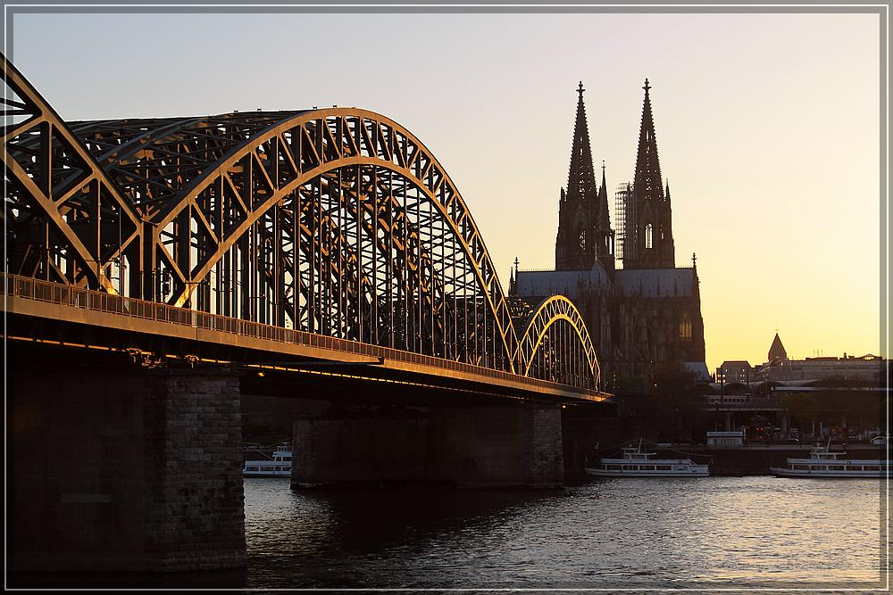 Golden Bridge in Kölle