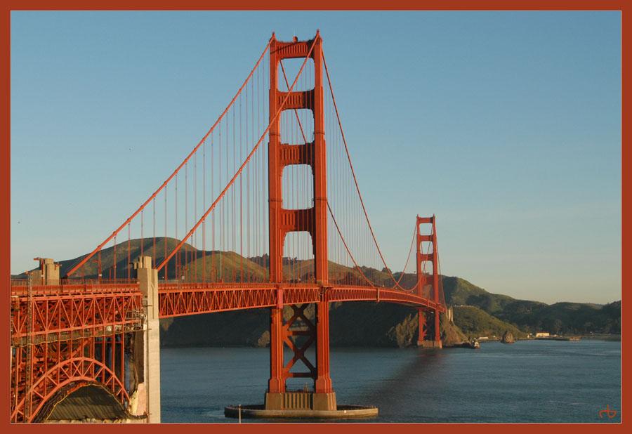 Golden Gate Bridge at 07:20 AM !