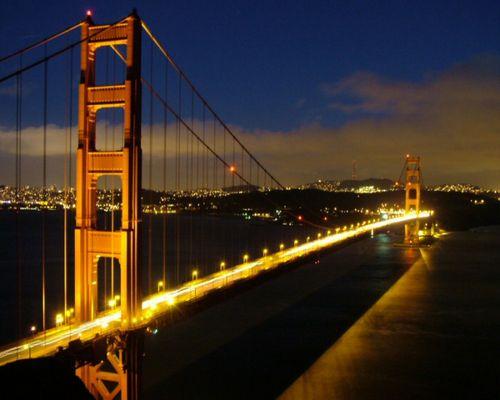 Golden-Gate Bridge bei Nacht
