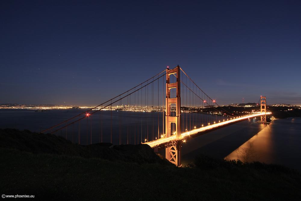 [...Golden Gate Bridge by night...]
