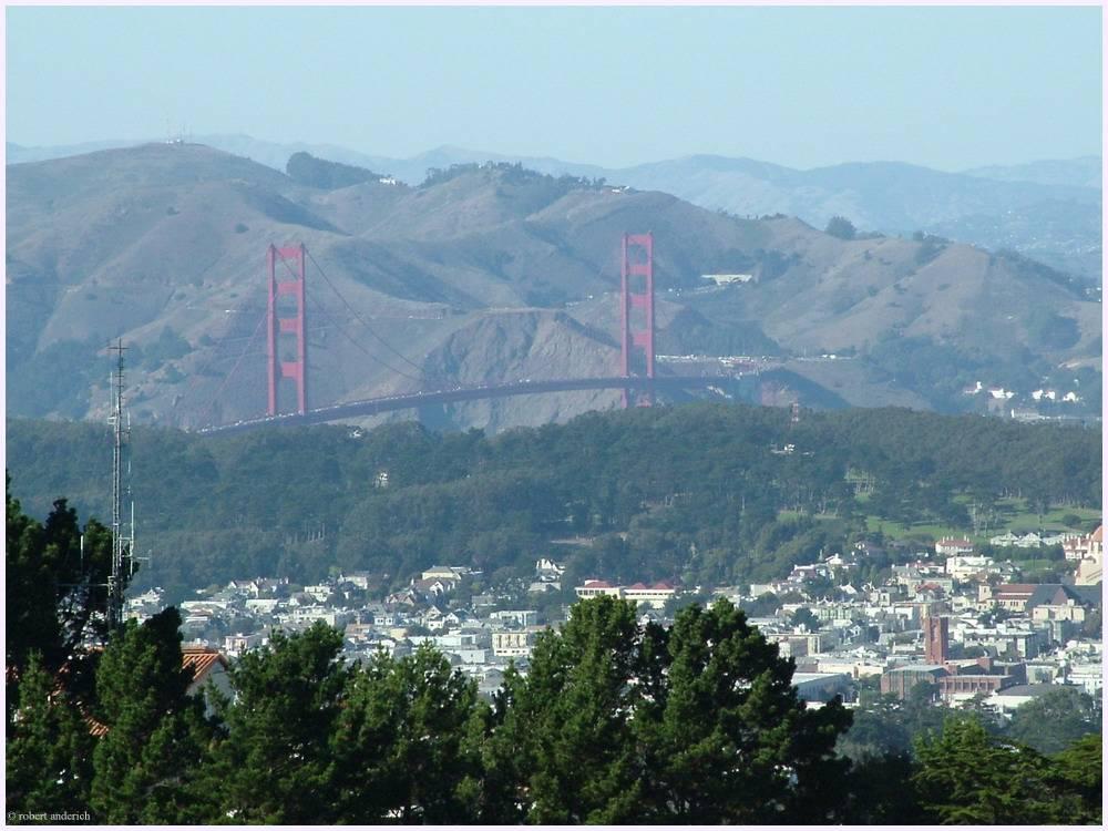 Golden Gate Bridge mal von den Twin Peaks fotografiert