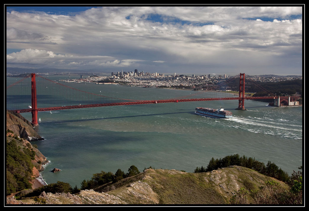 Golden Gate Bridge und skyline von SF