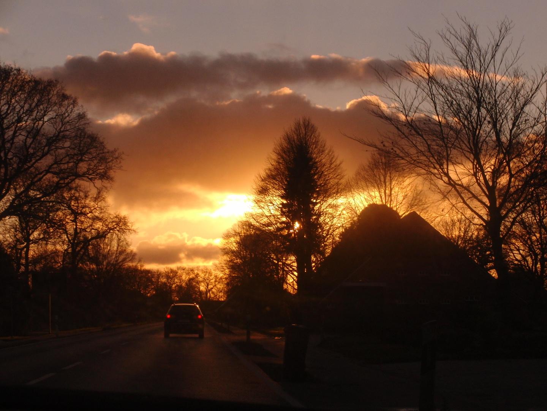 Goldener Himmel über Ostfriesland