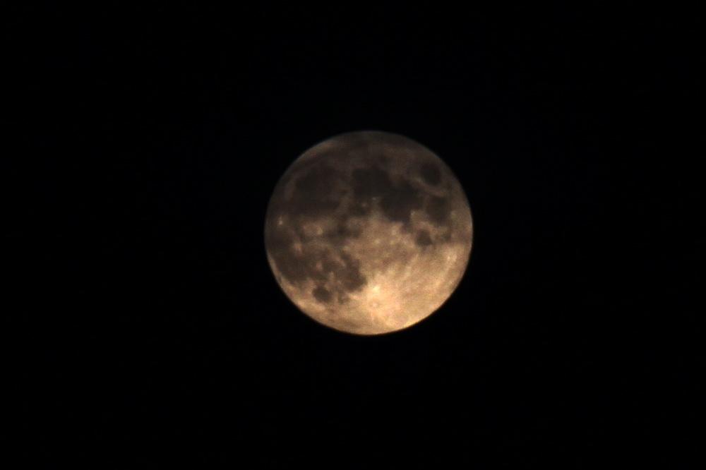 Goldener Mond...