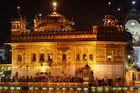 Goldener Tempel in der Nacht