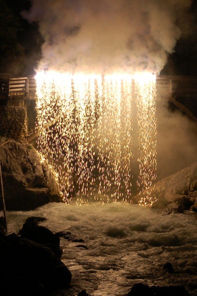 Goldener Wasserfall
