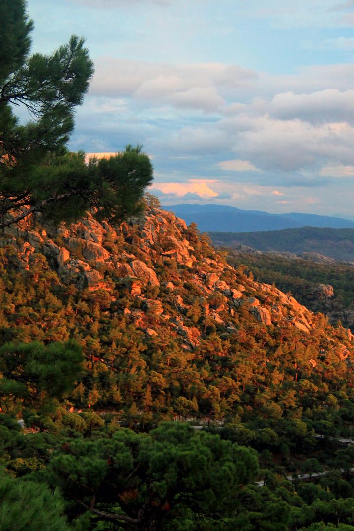 Goldenes Latmosgebirge