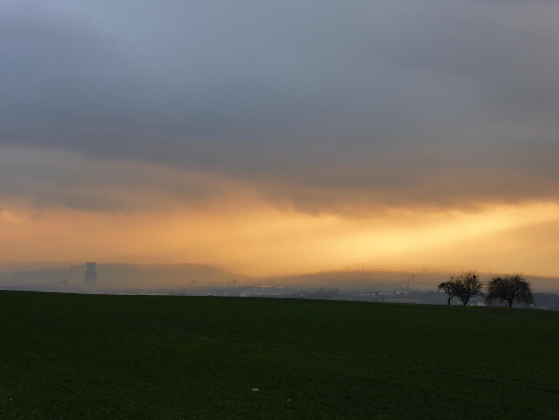 Goldenes Licht über dem Rheintal