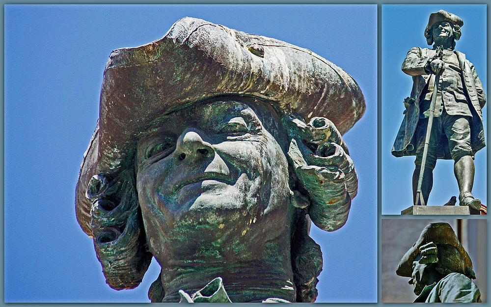 ..Goldoni Statue..