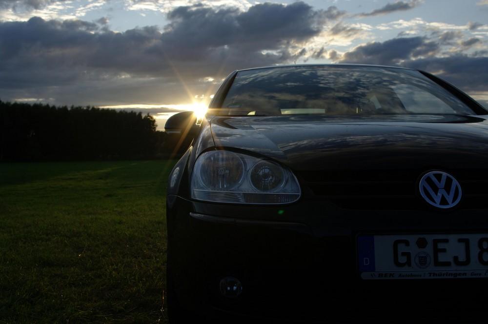 Golf V beim Sonnenuntergang
