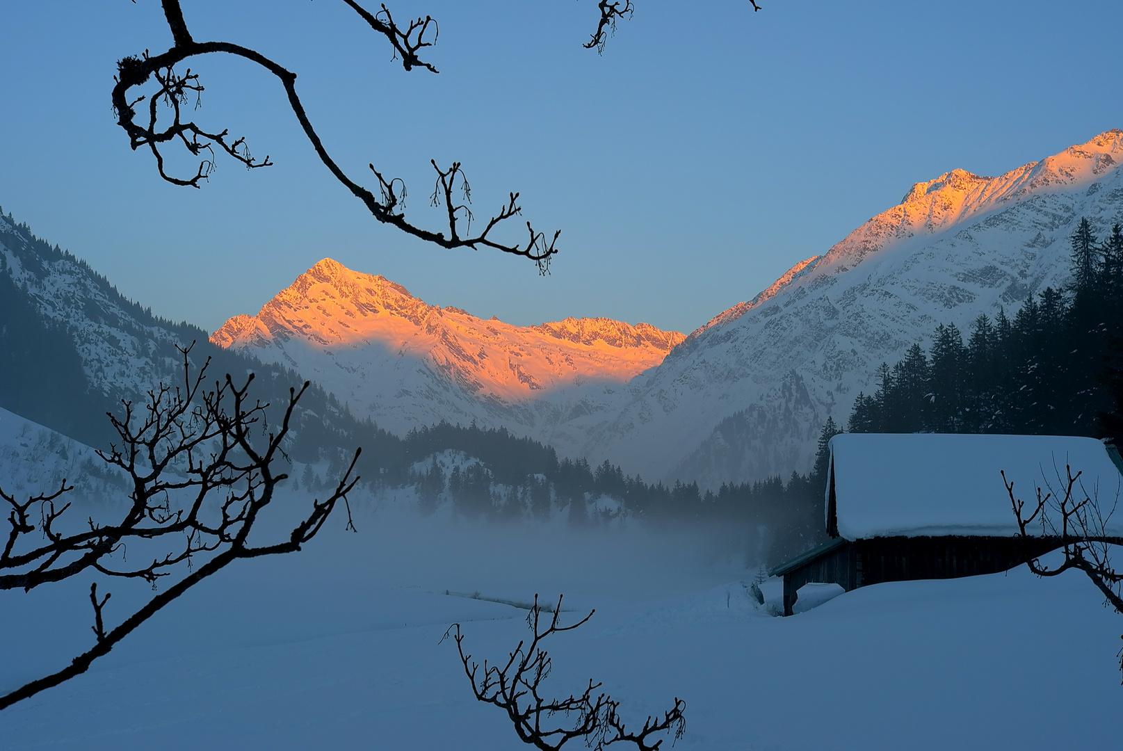 Golzern im Winter ,Abendglühen am Düssistock