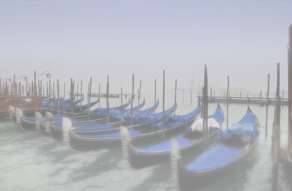 Gondeln im Nebel