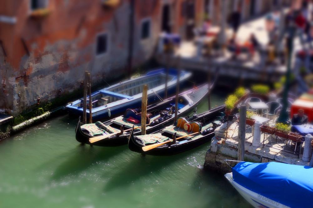 Gondeln in Venedig - Tilt Shift
