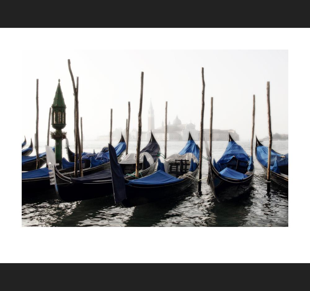 Gondola classico ...Venezia LXXV