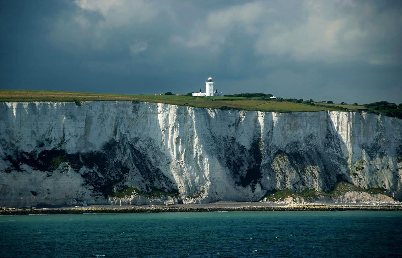 Good Morning Great Britan, hello Dover. ...