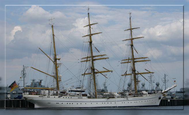 ...Gorch Fock im Kieler Hafen