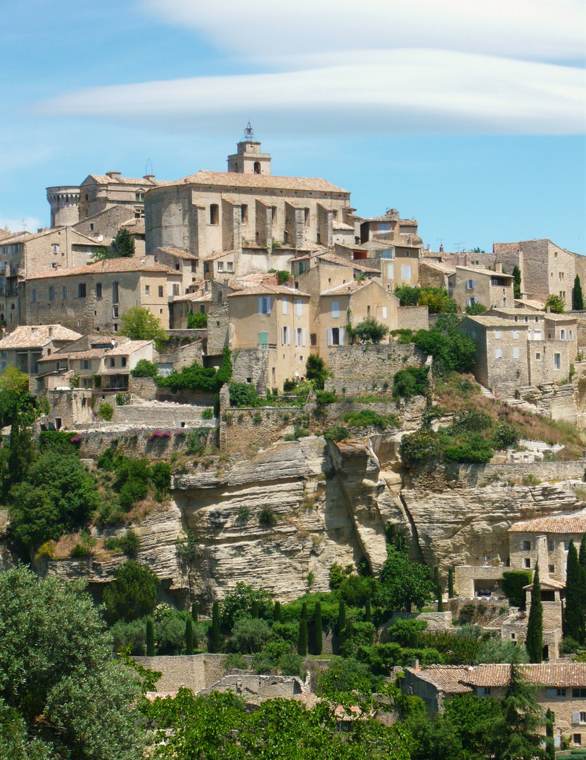 Gordes am Mittag in der Provence
