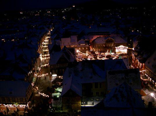 Goslar, Altstadt bei Nacht, Weihnachtsmarkt