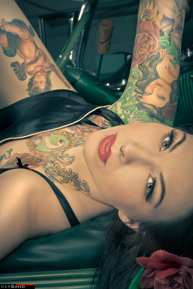 Gothesque-Girl: Cassidy Rose
