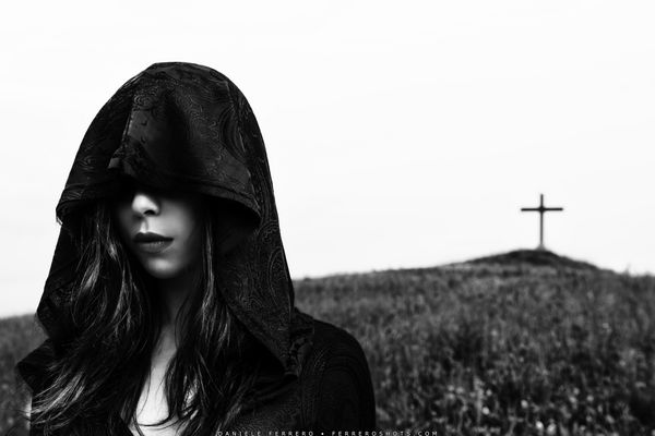 gothic girl with cross