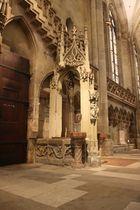 gotischer Brunnen im Regensburger Dom
