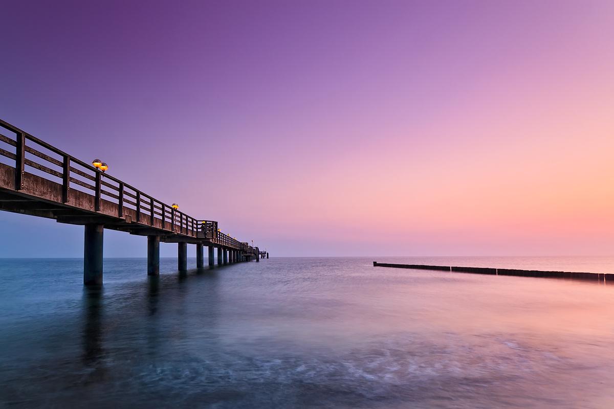 Graal Müritzer Seebrücke vor Sonnenaufgang