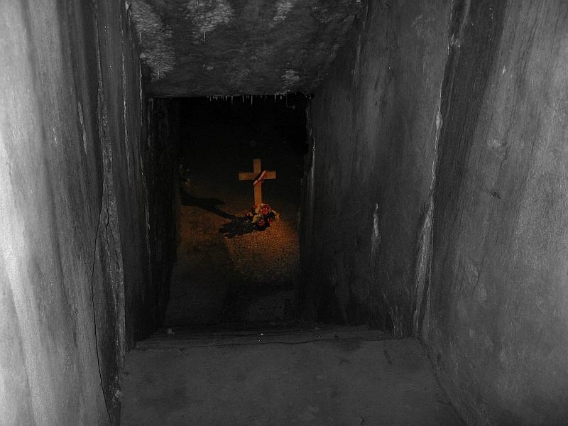 Grab im Keller Bearbeitete Version