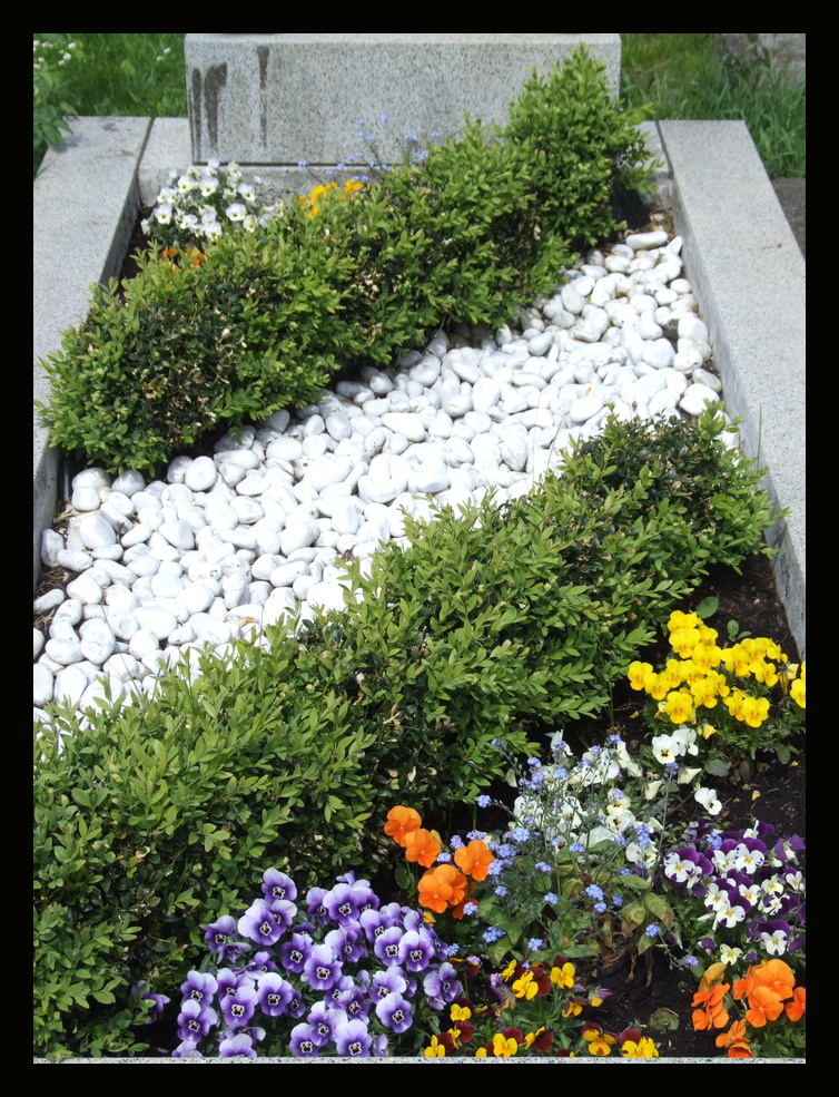 Grabgestaltung am Meidlinger Friedhof