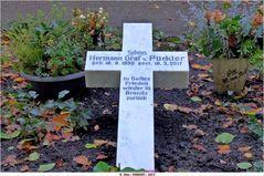 Grabkreuz des Grafen Pückler