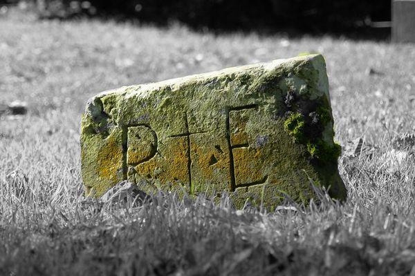 Grabstein in Monasterboice (Irland)