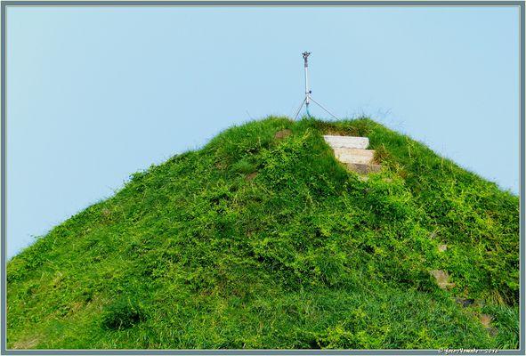 """""""Gräber sind die Bergspitzen einer fernen neuen Welt"""""""