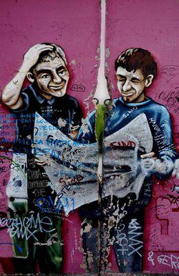 Graffiti mit Loch - Berliner Mauer