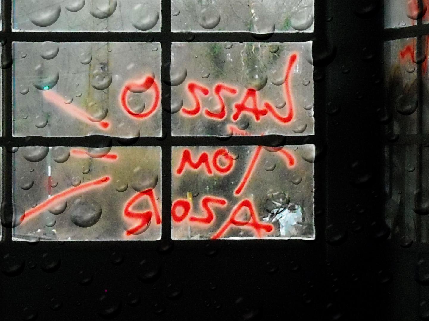 Grafitti am Bahnsteig 2/3 des Bahnhofs Freiburg-Wiehre
