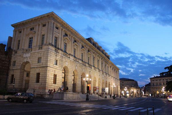 Gran Guardia, Verona
