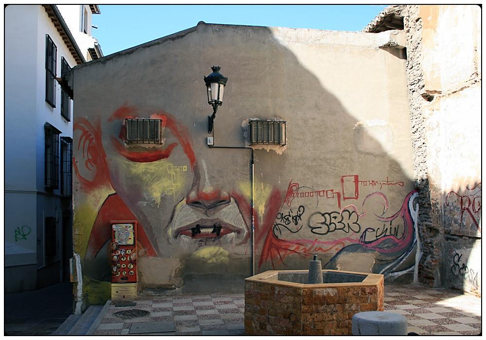 Granada 02 - Fassadenkunst