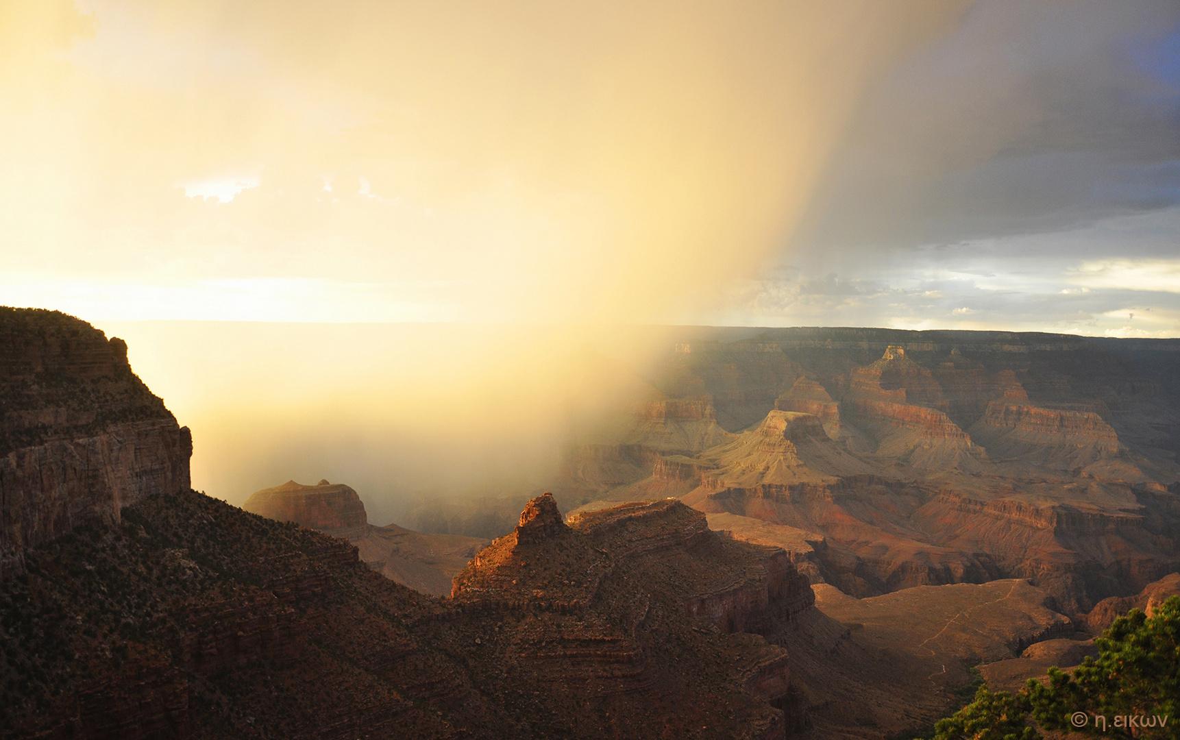 Grand Canyon magic cloud light