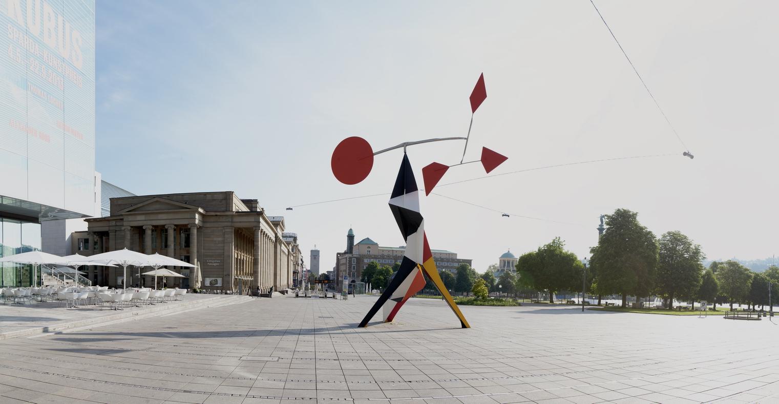 Grand Crinkly von A. Calder. Skulptur im Öffentlichen Raum unter freiem Himmel