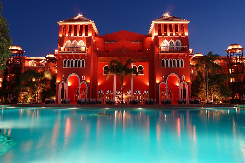 grand resort hotel hurghada bei nacht foto bild. Black Bedroom Furniture Sets. Home Design Ideas