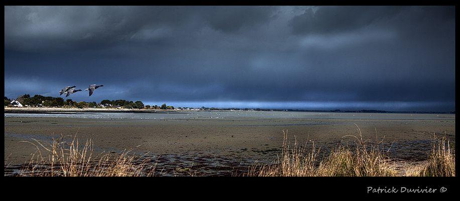 Grande marée sous ciel pertubé