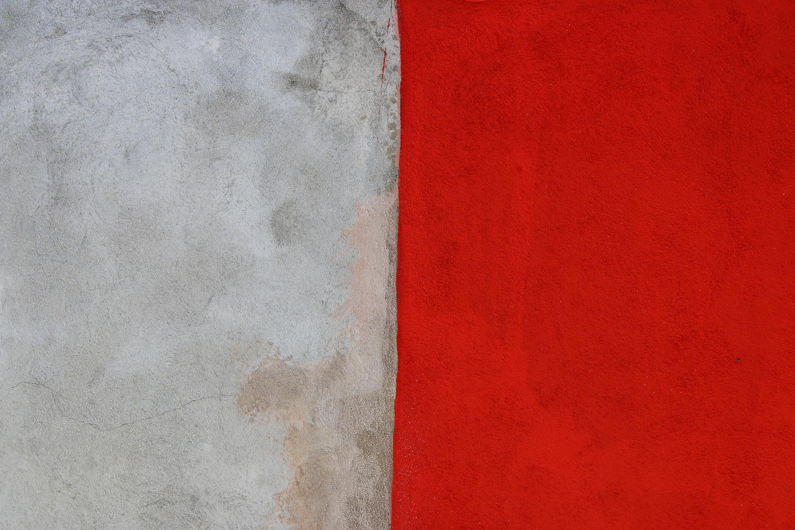 Grau und Rot