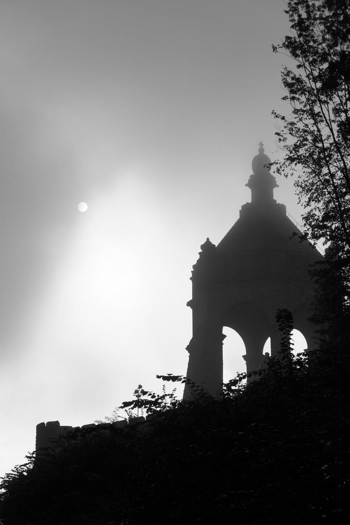 Graues Denkmal