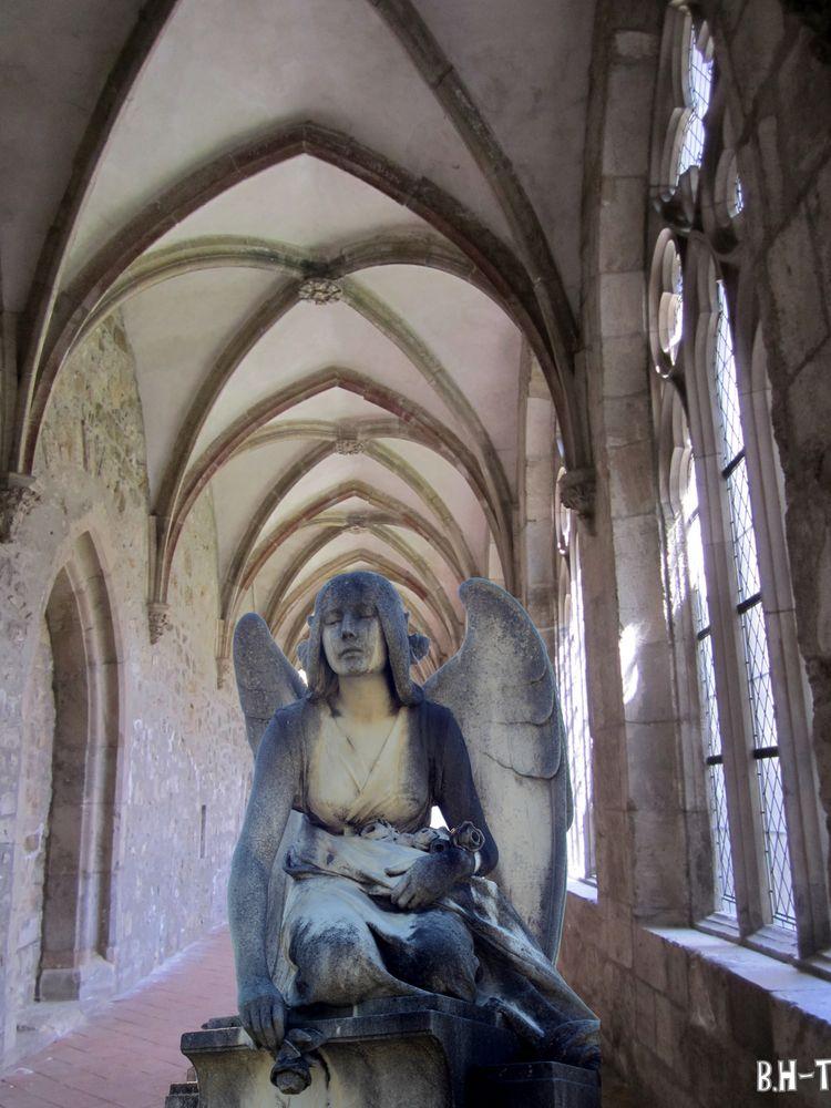 Grazer Engel im Kloster