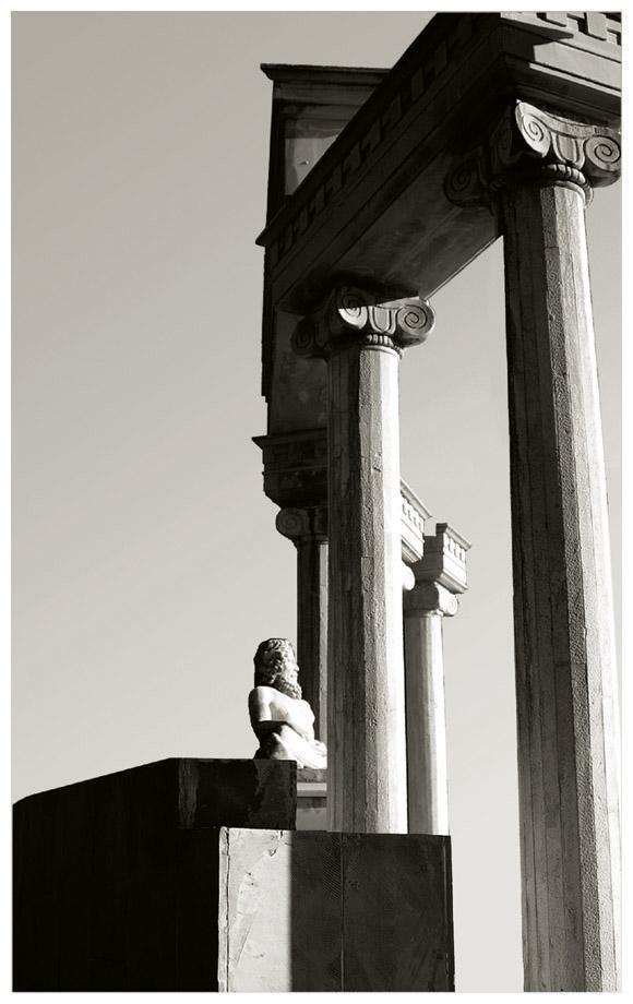 Greek_Columns