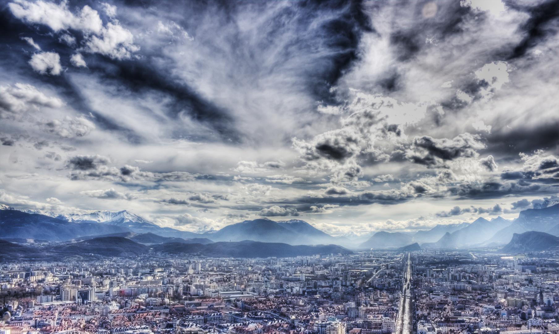 Grenoble avant l'orage