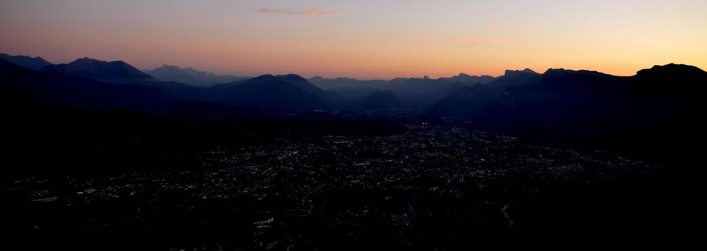 Grenoble in Black