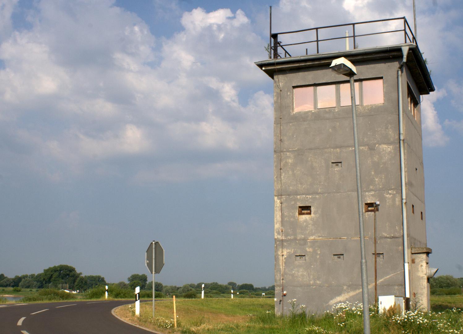Grenzbeobachtungsturm bei Neu Bleckede an der Elbe