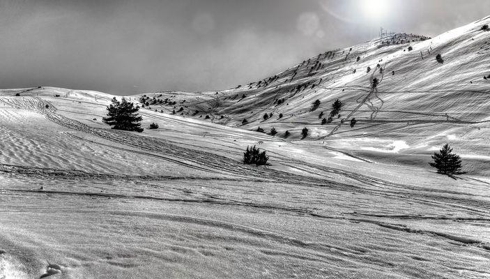 Gréolières les neiges B&W