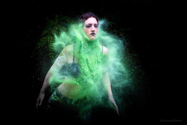 Greta, green