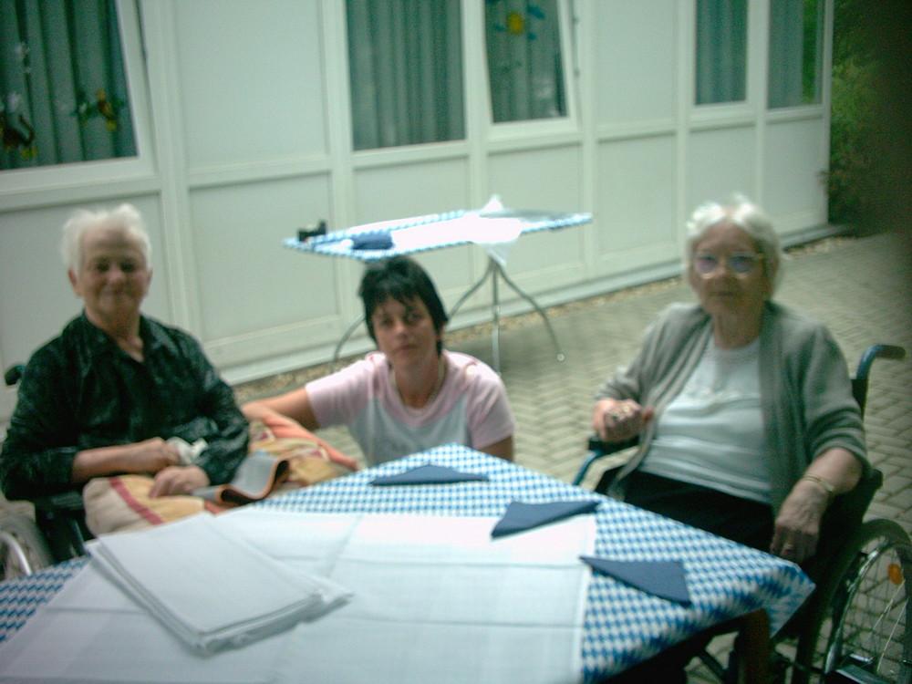 Grillparty im Pflegeheim